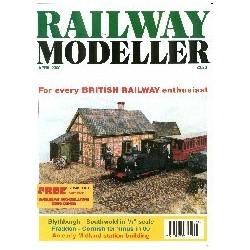 Railway Modeller 2000 April